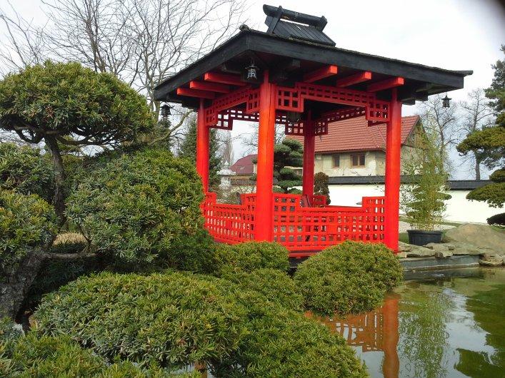2. Čtvercový japonský altán