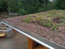 21. Zelená střecha altánu po výsadbě