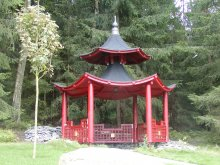 13. Šestiboký japonský altán