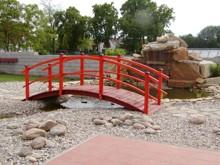 11. Dřevěný zahradní mostek